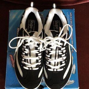 Women's Skechers Shape-Ups Size 8 M. (LNIB)